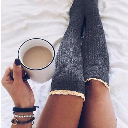 Ladies Knee High Lace Socks