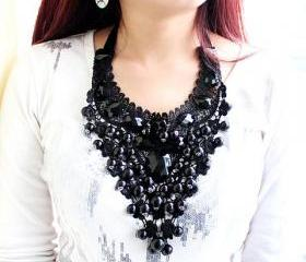 Elegant Pearls and Crystals Statement Necklace