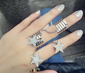 Chic Rhinestoned Pentagram Design Multi-Layered Alloy Ring