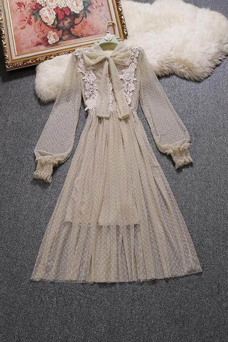 Elegant Vintage Style Long Sleeve Lace and Chiffon Dress