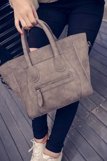 Chic Women's Leather Handbag