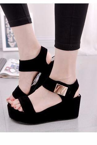 Women Platform Wedges Sandals in Black and White