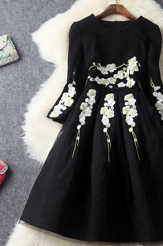 Elegant Black Lace Embroidered Long Sleeve Ball Gown Dress