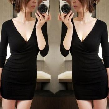 Long Sleeve Black V Neck Sexy Dress