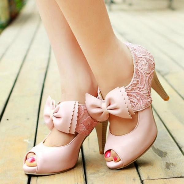Elegant Peep toe Sandals with Lace Detail
